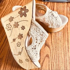 Sbicca Vintage Collection Wedge Size 9M